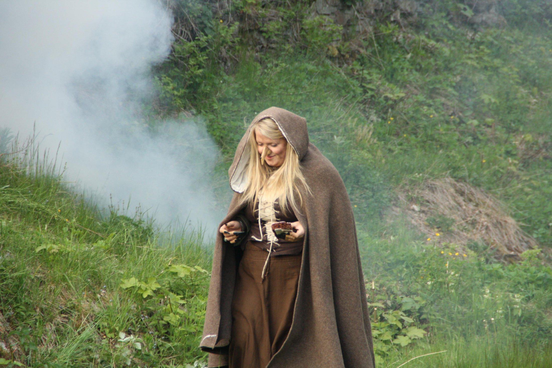 Die Hexe verwandelt sich: 4. - Die Lebkuchenfrau